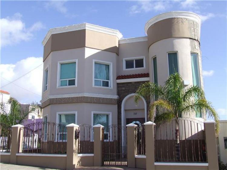 La mejor casa de tres pisos que existe en ensenada bc mex for Casas en renta ensenada