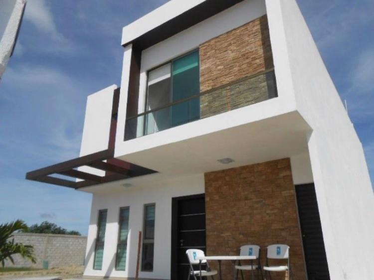 Casa nueva en venta en residencial la joya tenerife cav141453 for Casa minimalista villahermosa