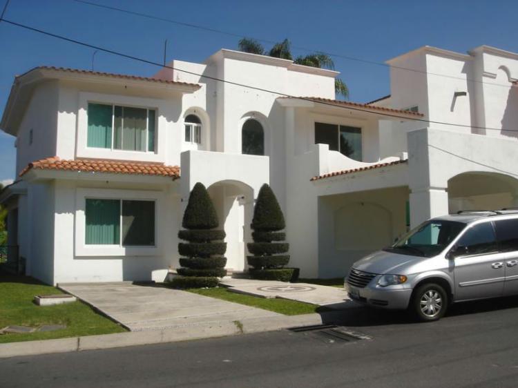 Linda casa en renta en lomas de cocoyoc car61846 for Casas de renta