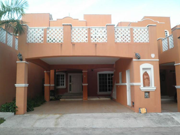 Renta casa coral riviera sm 17 caseta de seguridad car48788 for Casas en renta en cancun