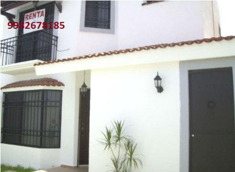 Rento bonita casa en residencial la castellana car53279 for Renta casa minimalista cancun