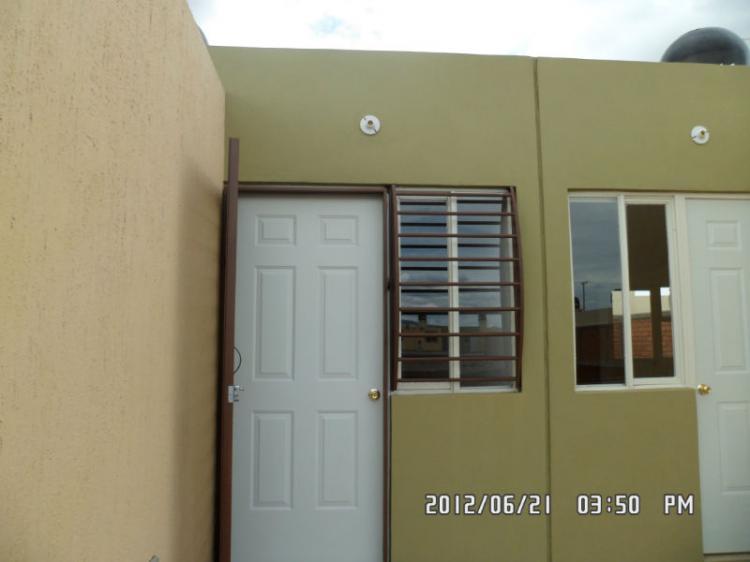 Rento bonita casa equipada en celaya muy cerca del centro for Casas en renta en celaya