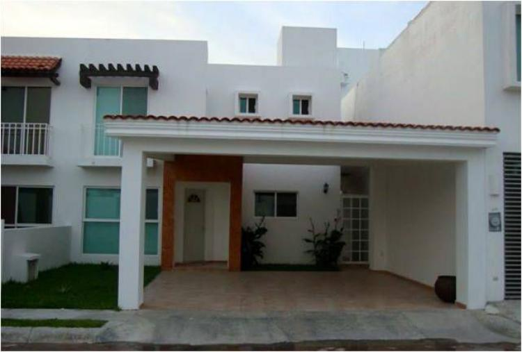 Privada villa marina car63889 for Casas en renta en campeche