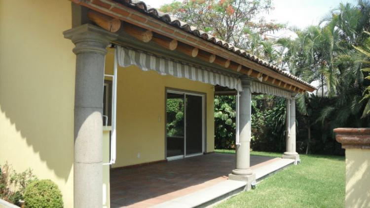 Hermosa casa sola en una planta con alberca car77587 - Casas de una sola planta ...