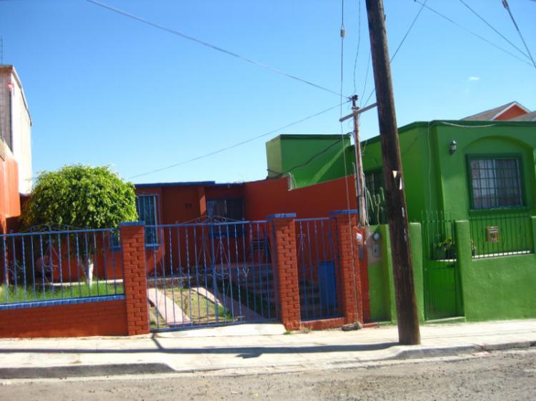 Venta casa 3 recamaras muy buenas condiciones cav119545 for Casas en renta ensenada
