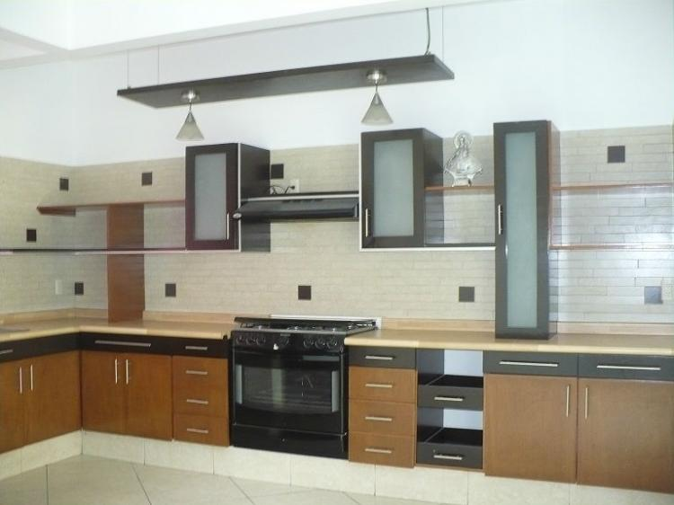 Rento hermosa casa cerca del centro magno muy tranquilo for Casas en renta guadalajara
