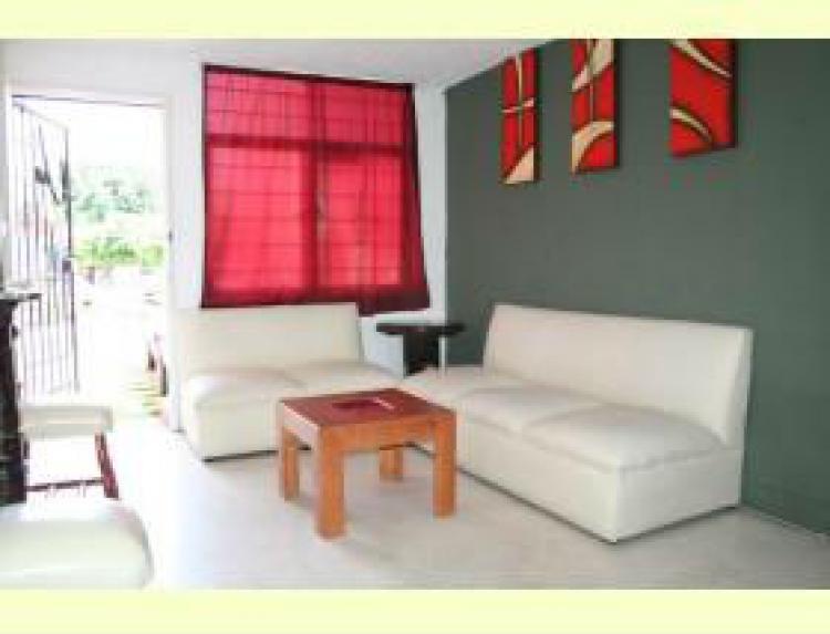 Rento casa amueblada de 3 rec maras car50908 for Casas en renta guadalajara