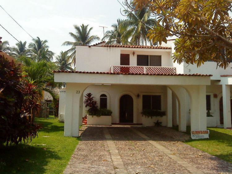 Atencio vacacionistas rento en club santiago desde 5 000 for Casas en renta en manzanillo