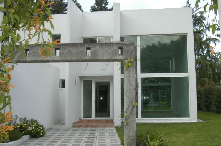 Renta de casa en club de golf las fuentes car51372 for Casas en renta en puebla