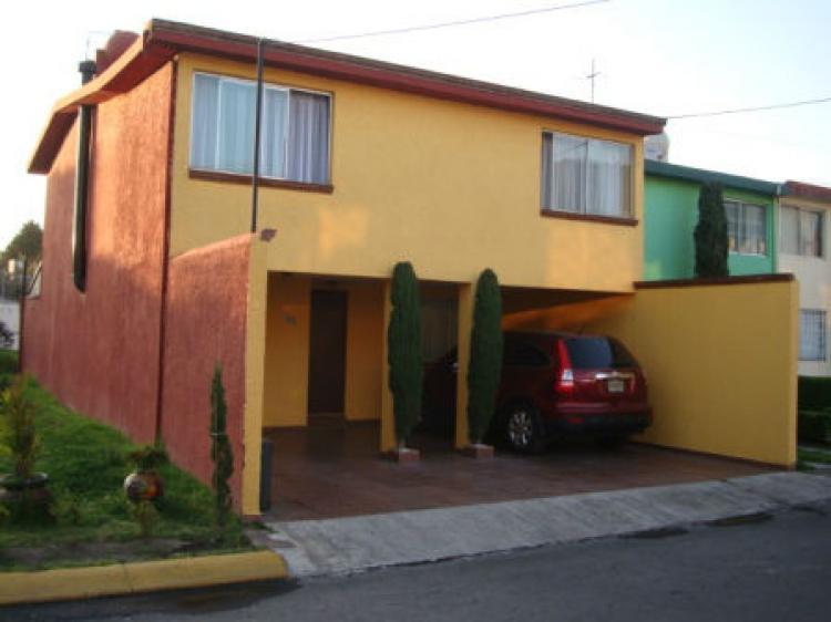 Renta casa privada con seguridad con f cil acceso a 10 for Casas de juguete para jardin baratas