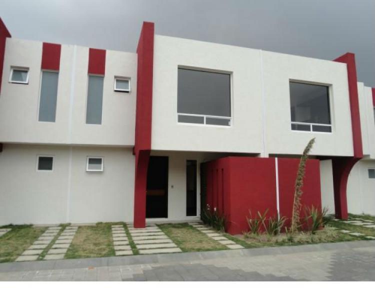 Rento casa nueva minimalista a 5 min de galerias metepec for Casa minimalista toluca