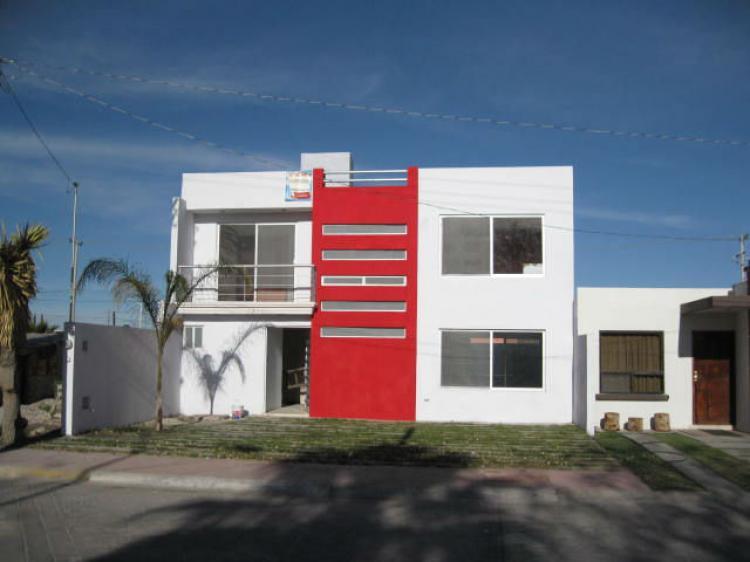 Casa minimalista en brisas diamanete cav50627 for Casa minimalista