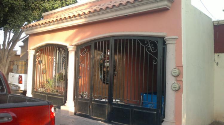 Casa ampliada y remodelada en villas del rey cav60137 for Casas en renta cd obregon