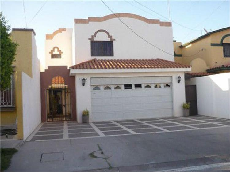 Casa 3 recamaras equipada en bellavista cav60143 for Casas en renta cd obregon
