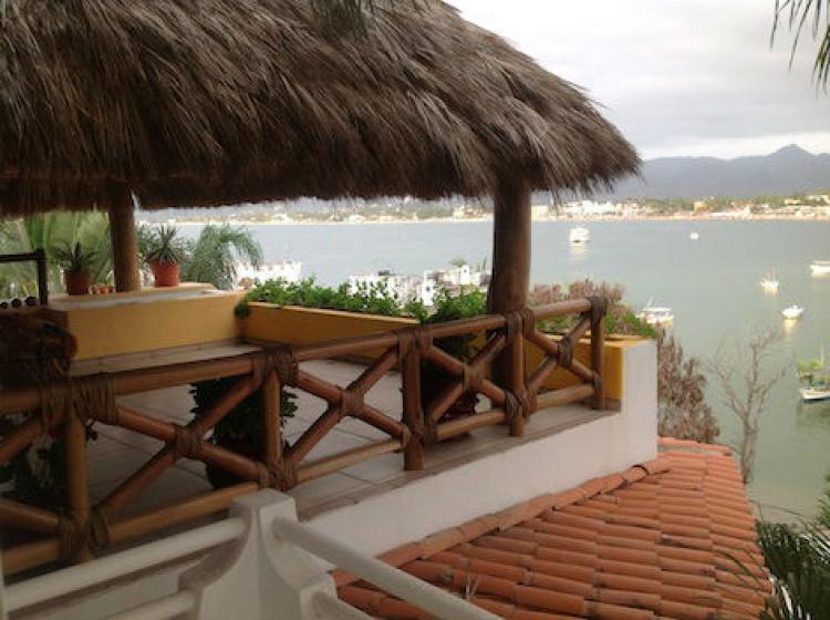 Hermosa casa en la playa rinc n de guayabitos cav78139 for Bungalow con cantina sciopero