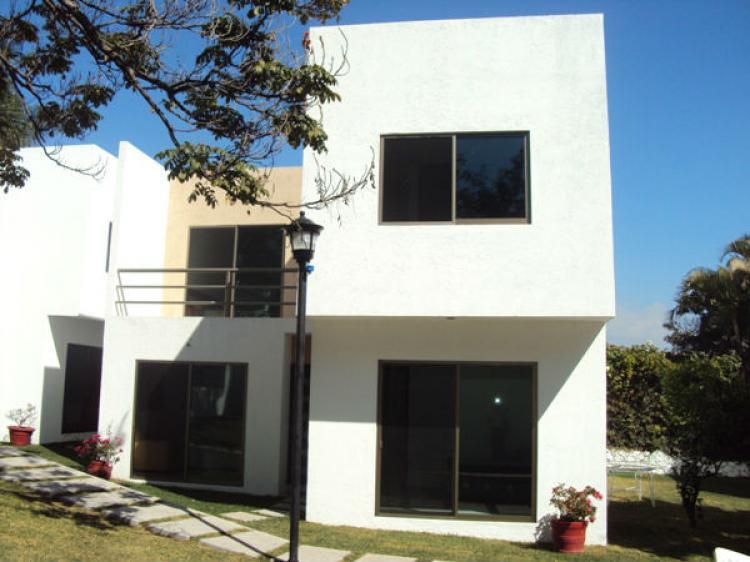 Preciosa casa nueva minimalista en condominio cav49713 for Casas nuevas minimalistas