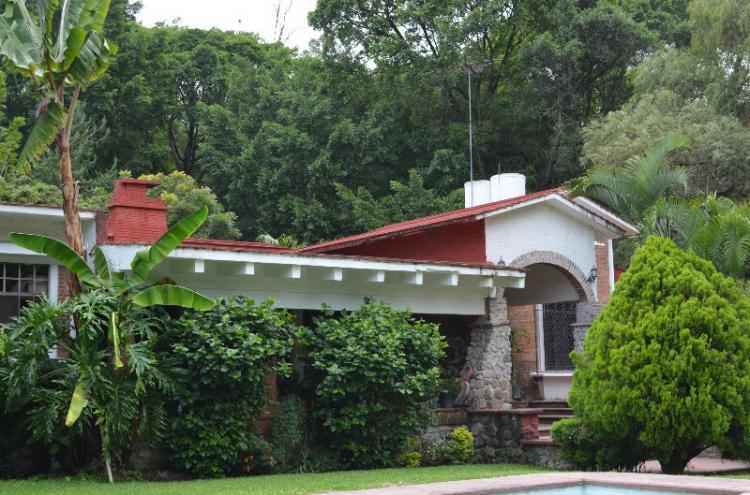 Rancho tetela amplia casa en terreno de 1940 m2 alberca for Casa y jardin mexico