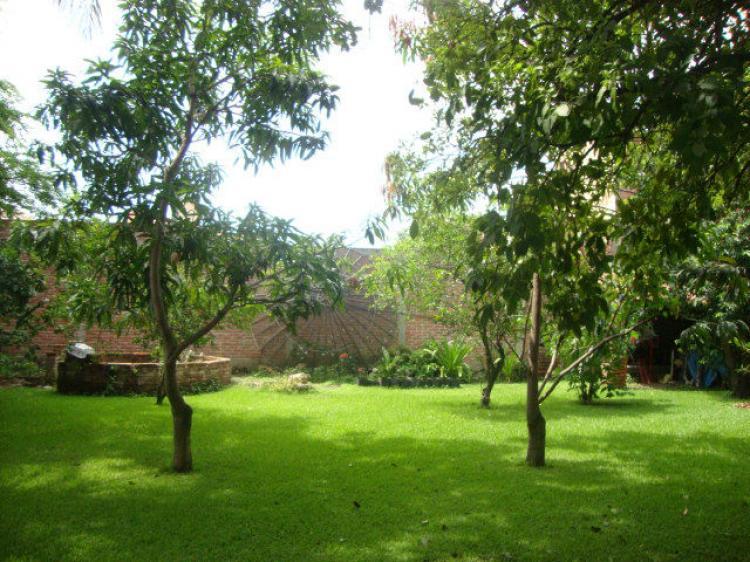 Casa grande 131m cerca del centro muchas reas verdes for Casa y jardin mexico