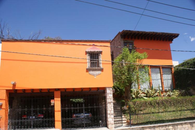Casa residencia en guanajuato cav55782 for Casas en leon gto