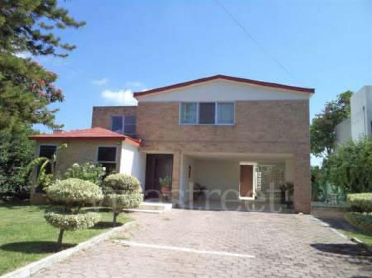 Casa en venta en irapuato guanajuato cav53217 for Casas en renta en irapuato