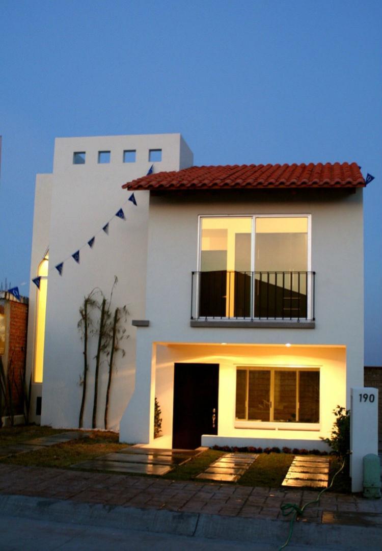 Excelente casa en piamonte irapuato cav61701 for Casas en leon gto