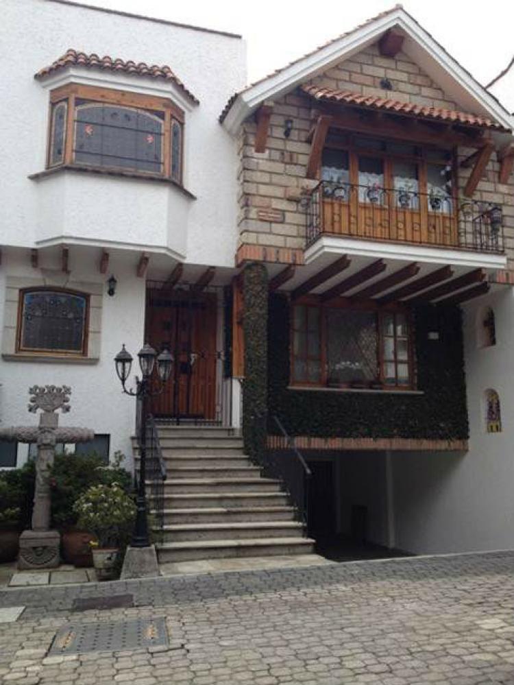 Hermosa residencia de 460 m2 en condominio horizontal en for Alquiler de casas en san jeronimo sevilla