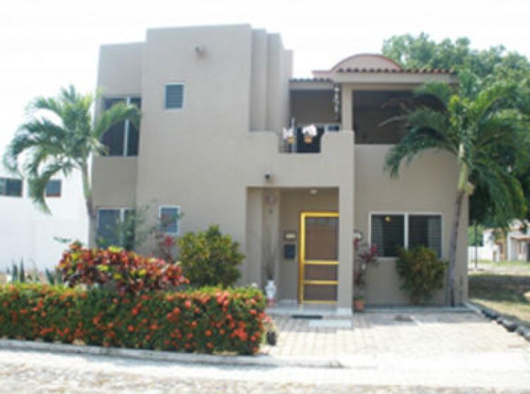 Fotos de casa en la joya residencial for Casas en renta en manzanillo