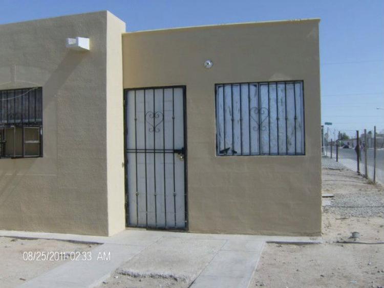 Se vende casa en esquina angeles de puebla 210 000 for Renta de casas en mexicali