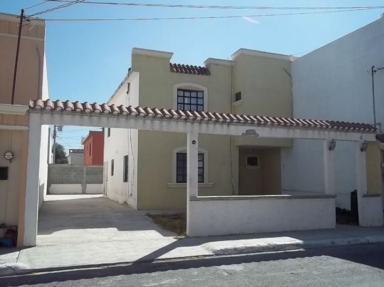 Vendo amplia casa en sector privado cerca de nuevo wal for Casas de renta en reynosa