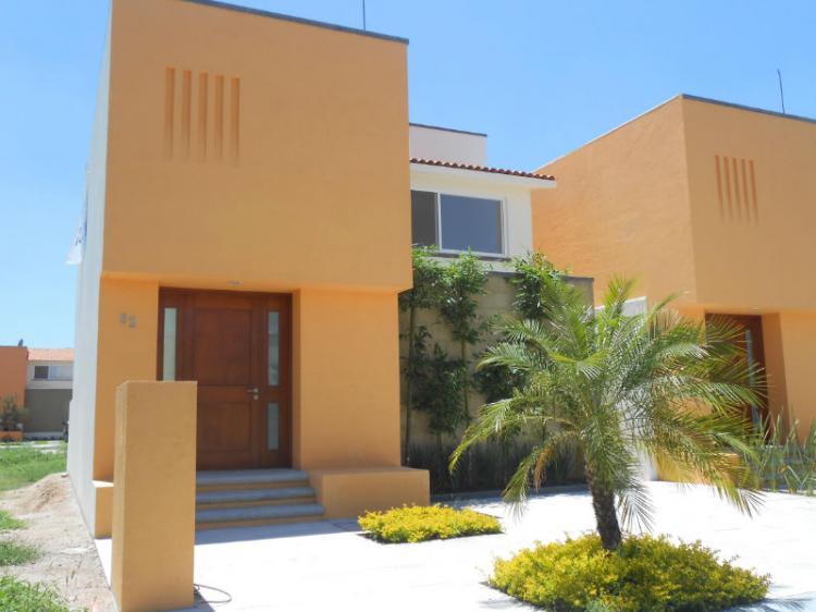 Casas en venta en claustros del campestre cav61562 for Casa del diseno queretaro