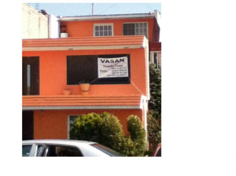 Casa amplia 3 niveles 4 recamaras a 3 min de autopista for Busco casa en renta