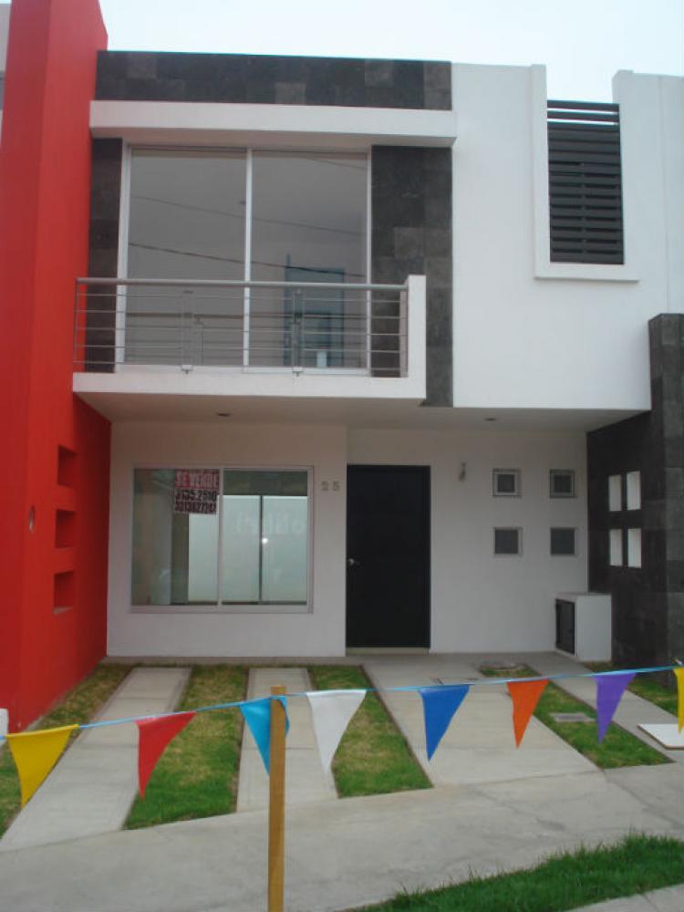 Casa nueva 3 recamaras residencial lomas de los pajaros for Casas en renta jalisco