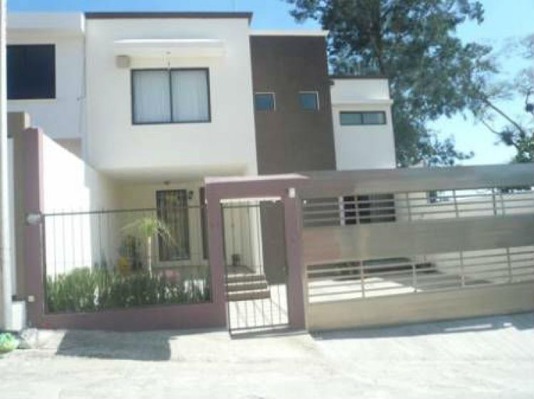 Bonita casa en el fraccionamiento monte magno cav67338 for Busco casa en renta