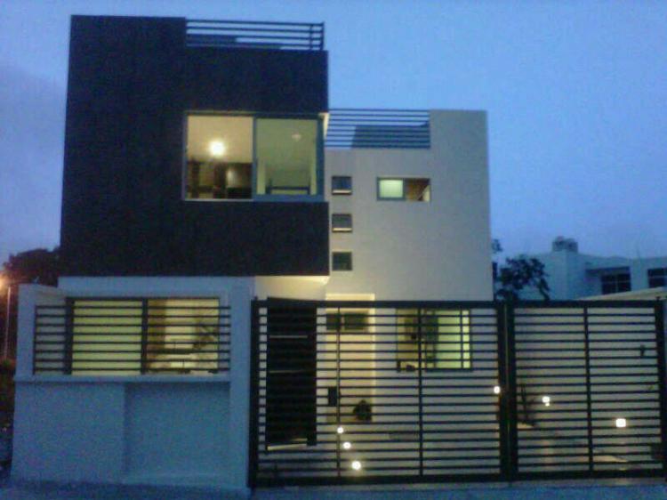 Gran oportunidad de casa estilo minimalista en monte magno for Venta casa minimalista df