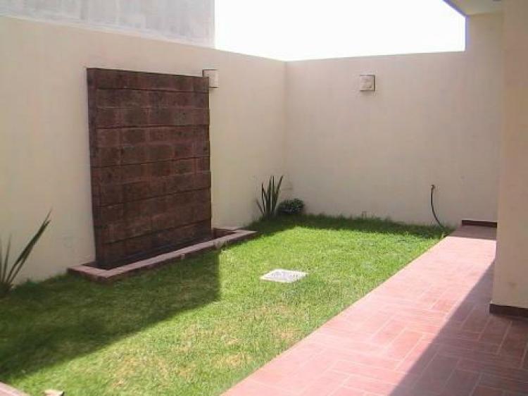 Videos de luz en casa nueva temporada for Casa minimalista wikipedia