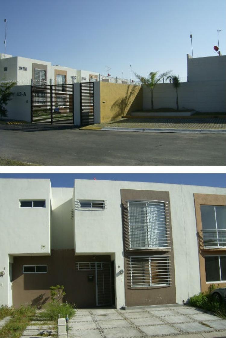 Moderna amplia casa 3rec 2 5ba os col lomas de san for Casa moderna zapopan