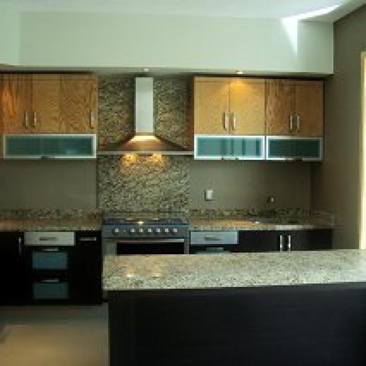 Fotos de 4 recamaras 4 ba os compleos casa moderna de lujo for Banos de casas de lujo