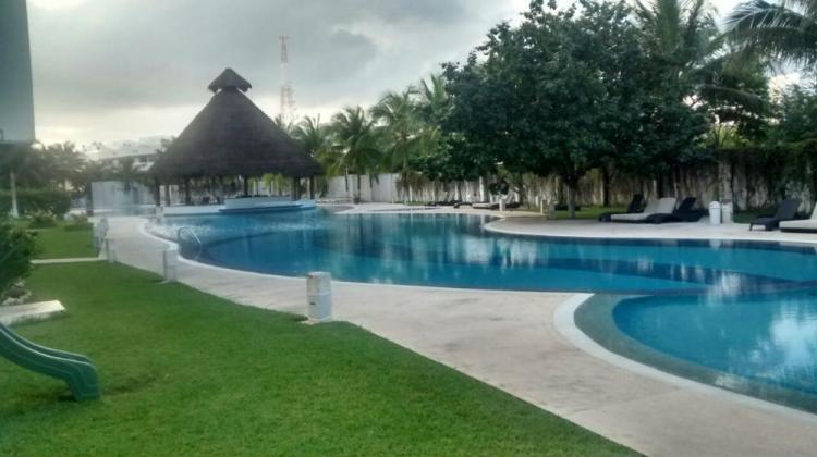 Departamento en cancun amueblado 2 recamaras piscina for Piscina 24 horas madrid