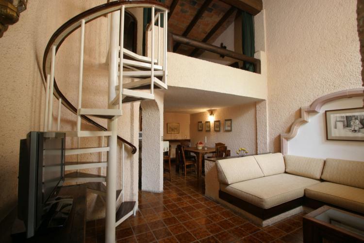 Casa amueblada en renta en queretaro caa17615 for Casas en renta en queretaro
