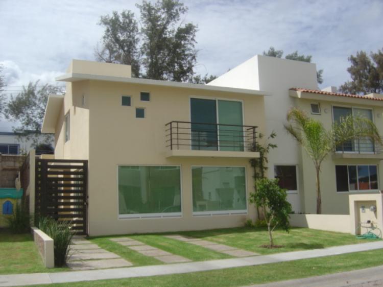 Casa en venta en residencial san antonio de ayala irapuato for Casas en renta en irapuato