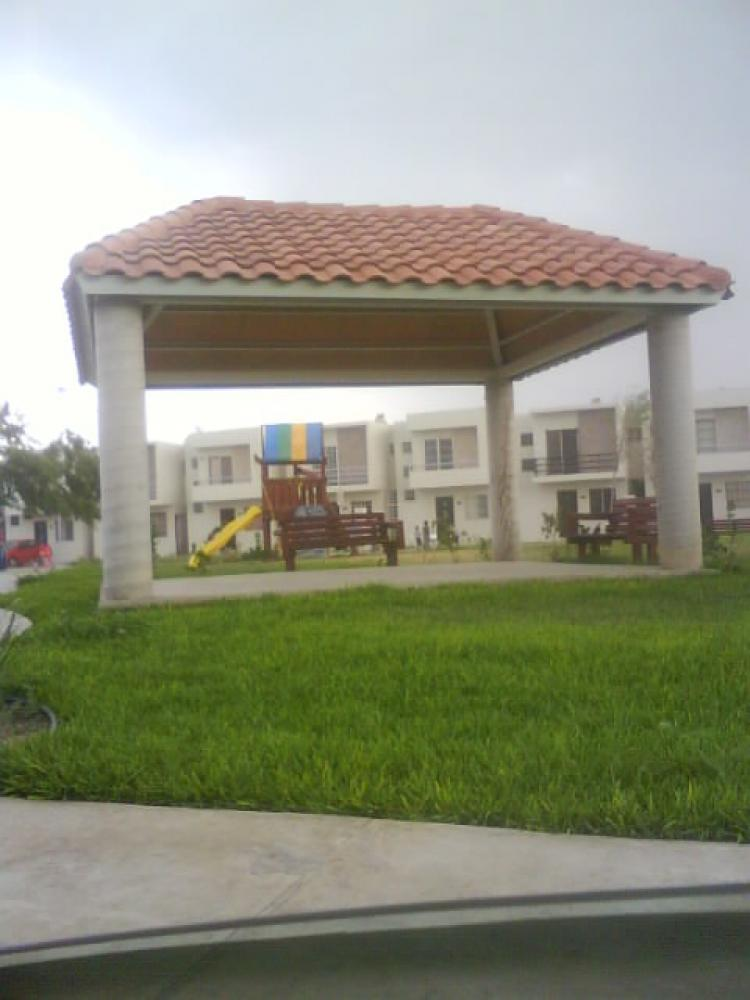 Casa nueva excelente ubicacion monterrey zona anahuac for Casas en escobedo