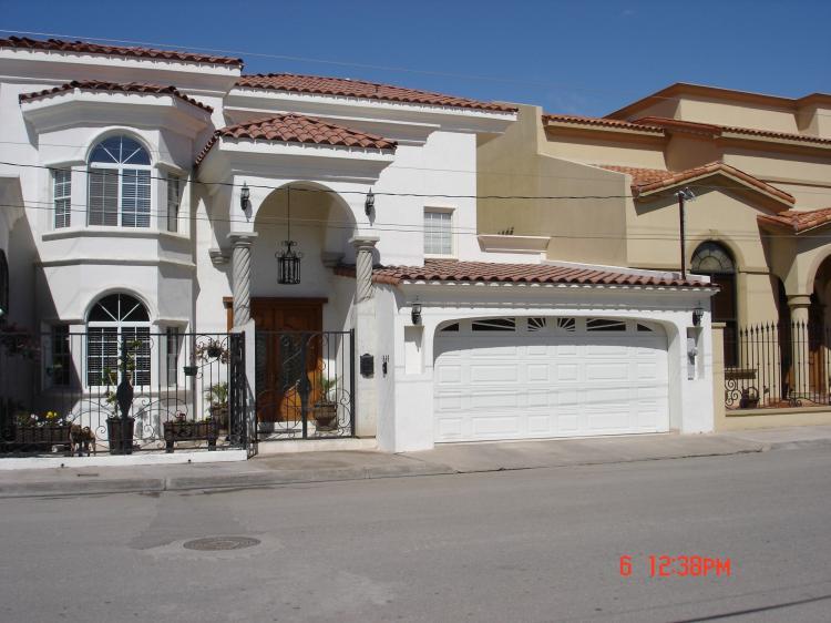 Preciosa residencia totalmente amueblada car25594 for Renta de casas en mexicali