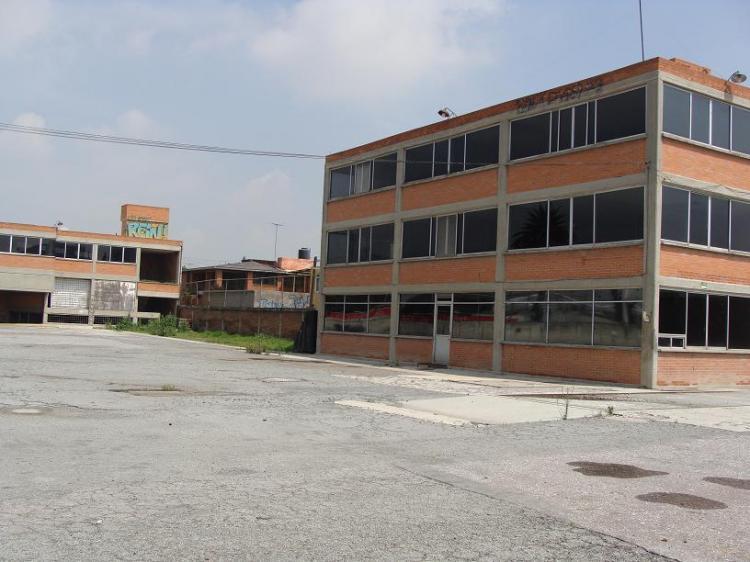 Baños Vestidores Empleados:Bodega en Renta en Tultitlán de Mariano Escobedo Mexico