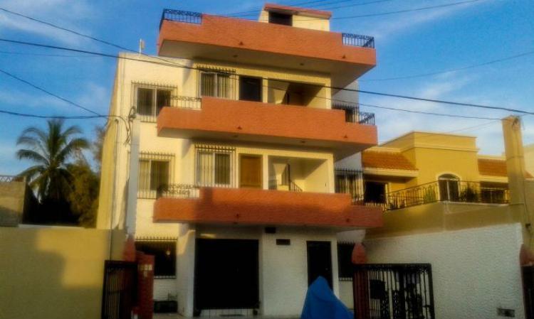 Edificio de 3 pisos con 6 apartamentos dev104255 for Departamentos 3 pisos