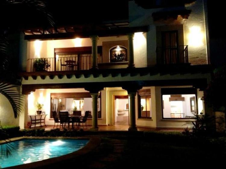 Excelente Casa Semi Nueva Estilo Colonial Moderno Zona