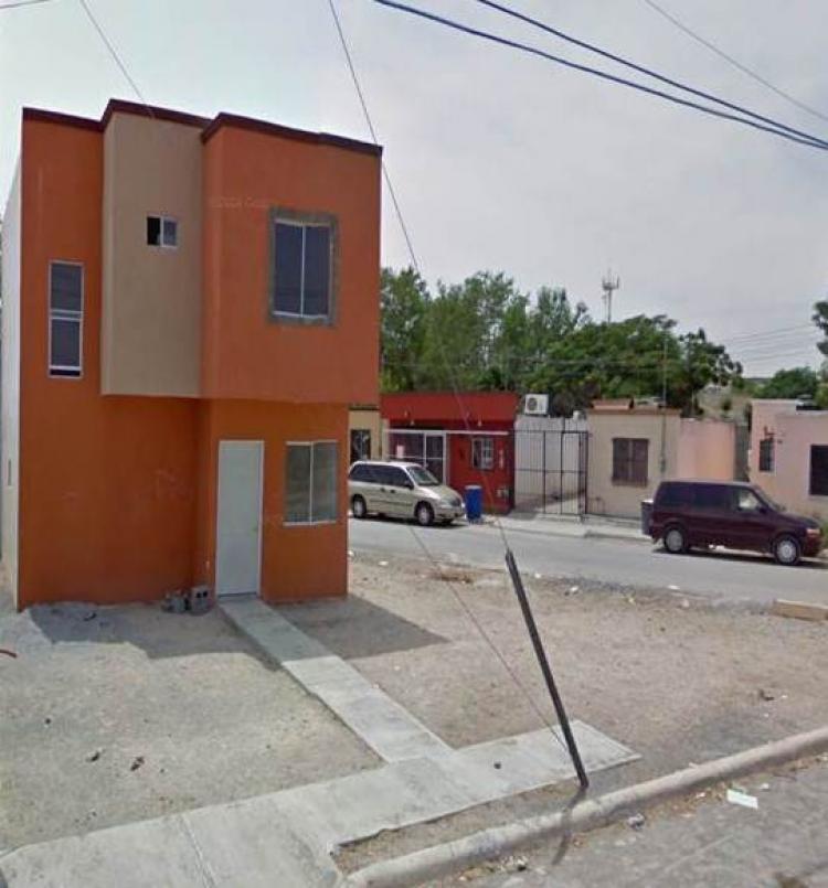 Casa en venta en esquina amplio terreno cav40230 for Casas de renta en reynosa