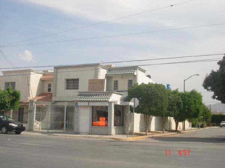 Casa con local comercial en esquina cav11045 Modelo de casa con local comercial