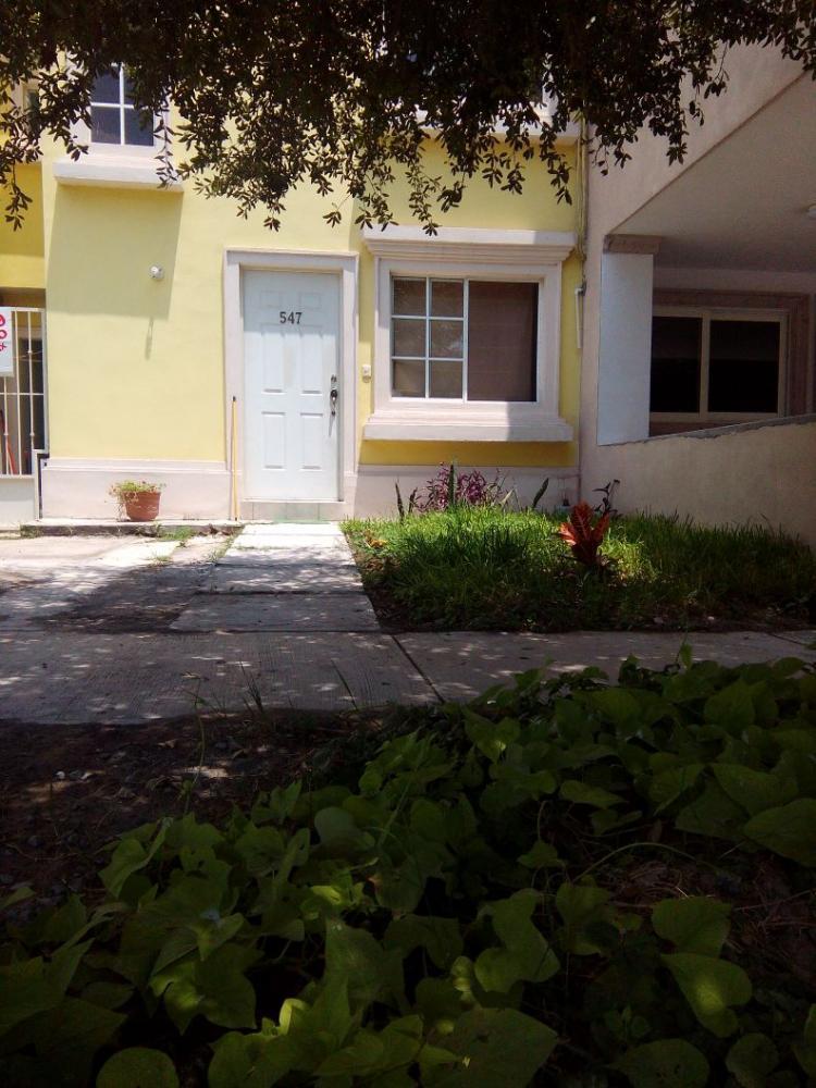 Rento casa amueblada o sola en santa catarina n l car39501 for Casas santa catarina