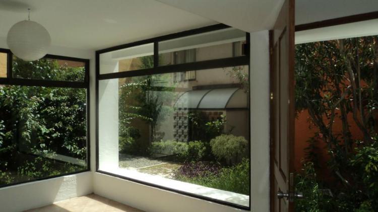 Hermosa casa estilo minimalista en condominio en for Venta casa minimalista df