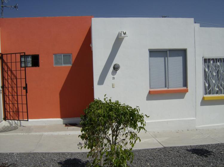 Casa en la loma ix car229 for Casas en renta en queretaro
